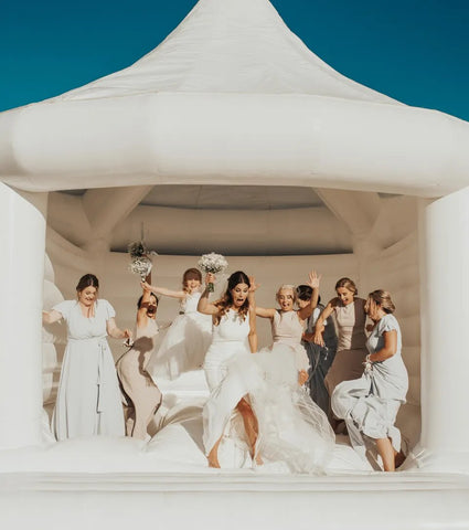 chateau gonflable blanc mariage