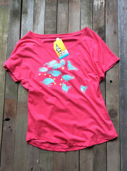 Birds feeding on stars womens dolman