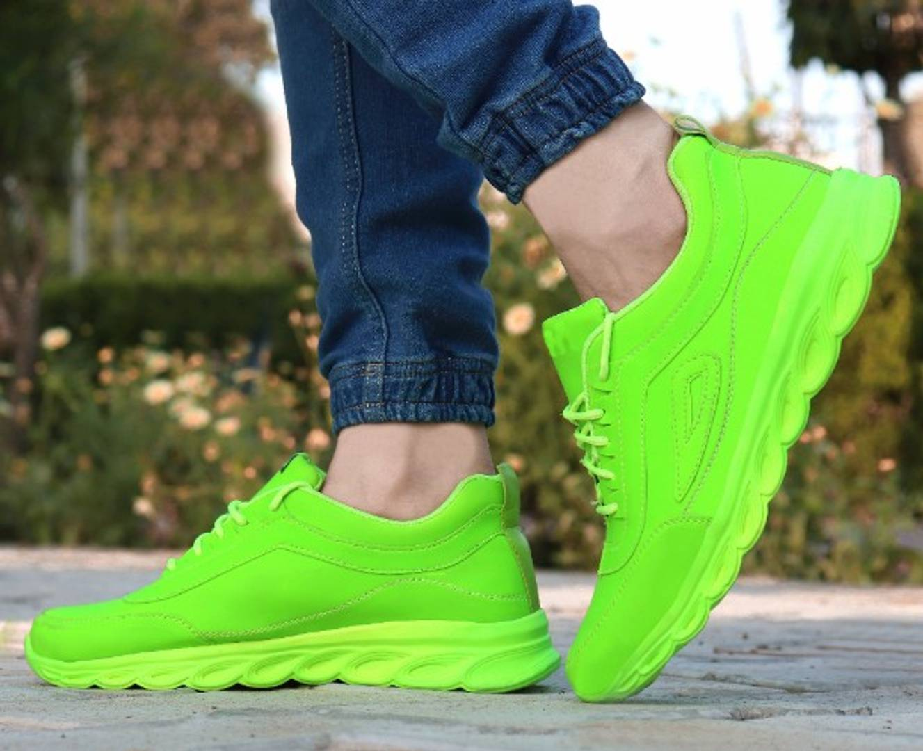 Elegant & Stylish Green Sports Shoes For Men