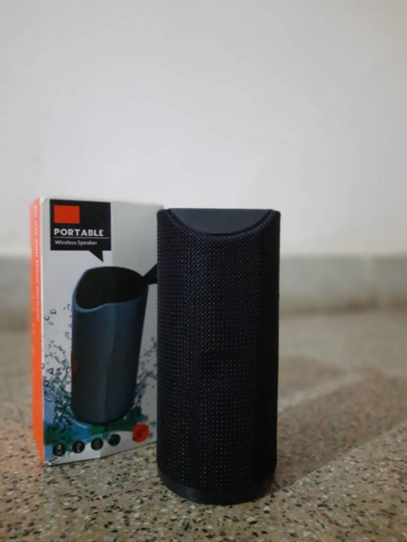 Stylish Black TG-113 Portable Bluetooth Speaker
