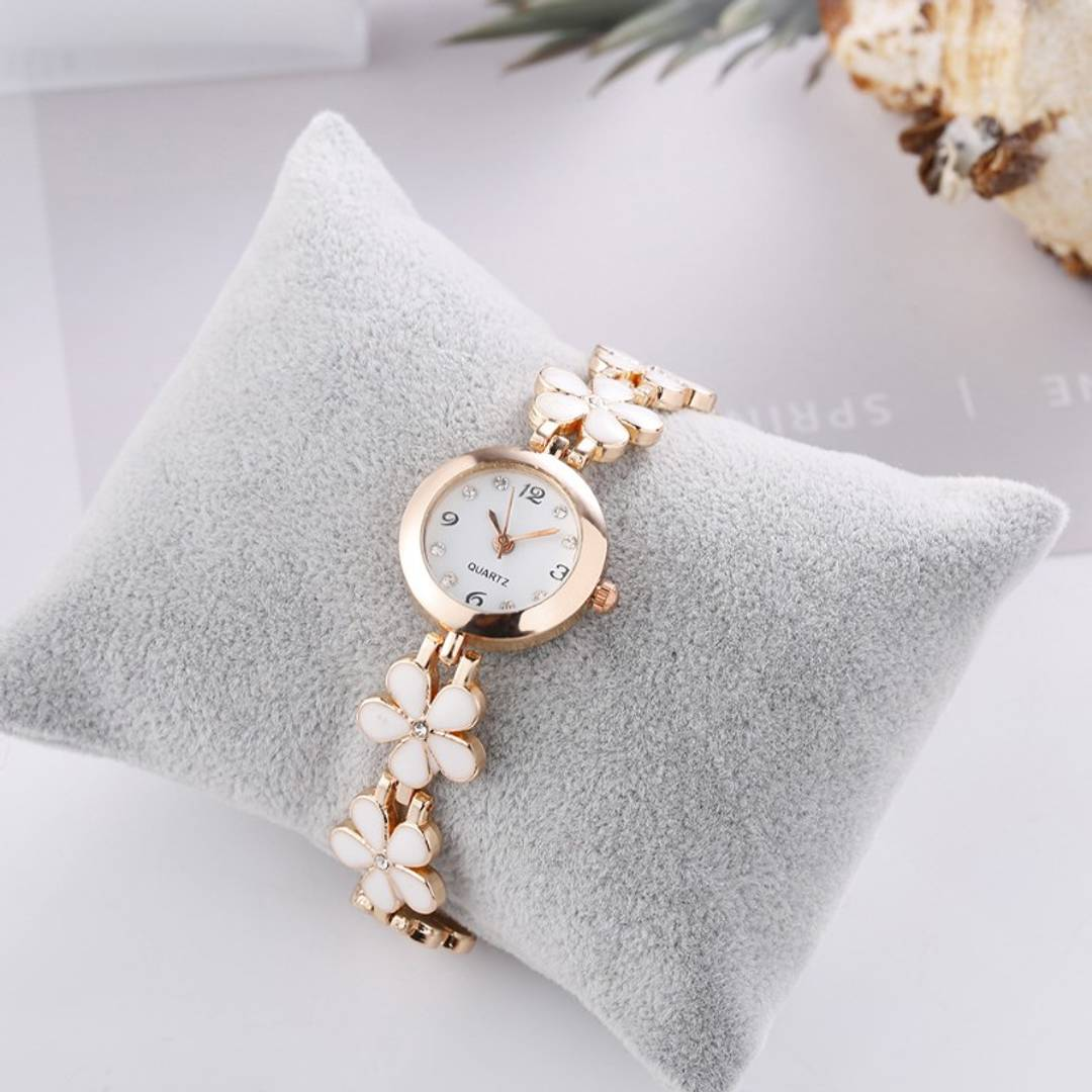 Bracelet Design Rose gold and White Strap Analog Watch For Girls