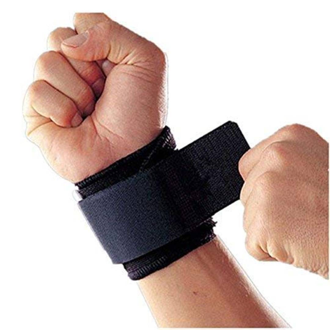 CASHWIN Adjustable Wrist Support Breathable Neoprene Wrist Brace Strap Compression Pad for Men and Women Working Out Wrist Pain Sprain Tendinitis(Black