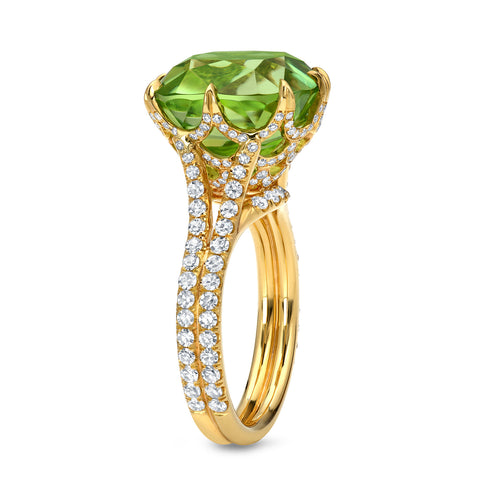 18K Yellow Gold Peridot Ring with Diamonds