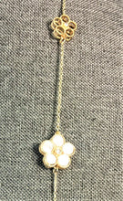 Load image into Gallery viewer, Roberto Coin Inspired Pearl Clover Necklace