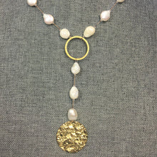 "Load image into Gallery viewer, 18"" Freshwater Pearl & Swarovski Crystal Necklace w/Hammered Gold Medallion"