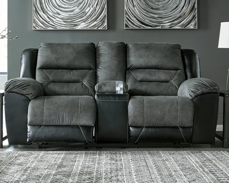 Earhart Signature Design by Ashley Loveseat