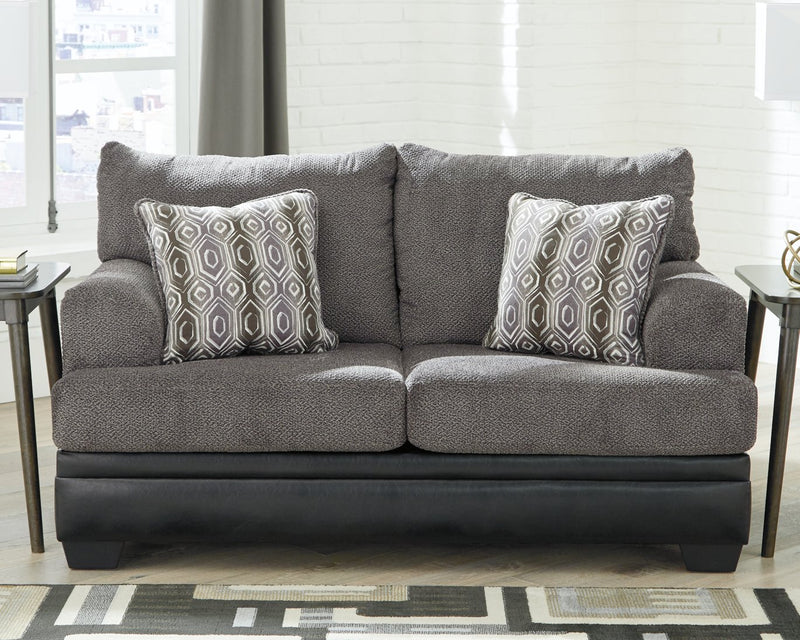 Millingar Signature Design by Ashley Loveseat