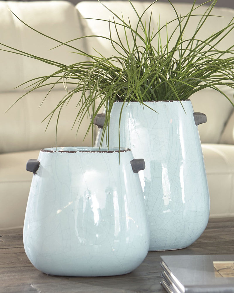 Diah Signature Design by Ashley Vase Set of 2