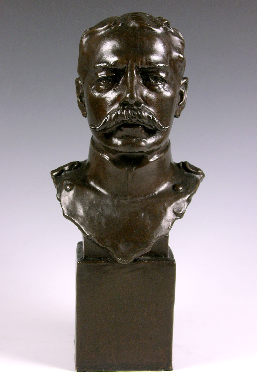 Bronze Bust of Field Marshal Lord Kitchener by Albert Toft, Circa 1910