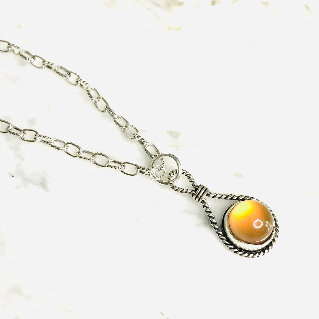 Polished carnelian twisted silver bezel necklace
