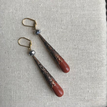 Load image into Gallery viewer, Vintage Lucite and crystal Filigree copper drop earrings