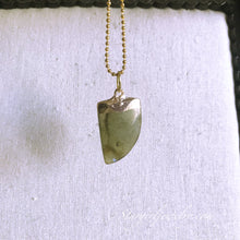 Load image into Gallery viewer, Gold electroplated Labradorite point necklace