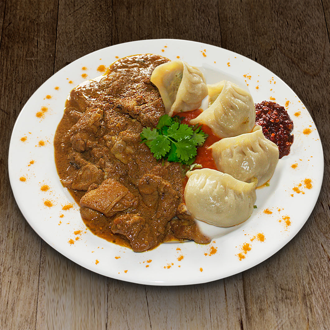 Chicken Curry & Momos Combo