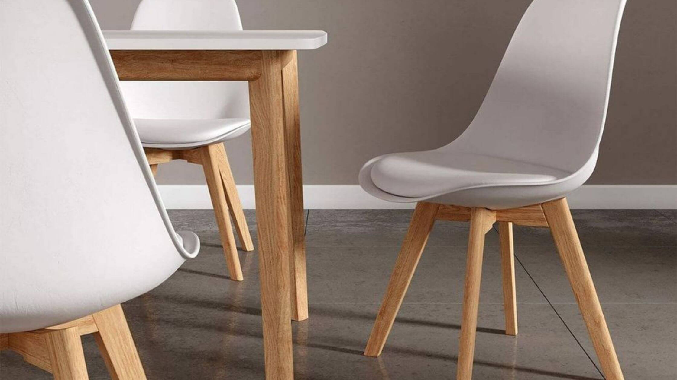 chaise-scandinave-blanche-bois