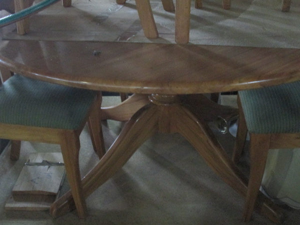 Rimu Table & 8 Chairs(Table 1480D x 730H/Chairs 450SQx550 Back 550H x 950H)