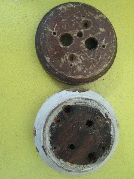 Moulded Circle Wooden Mounting Block for Vintage Switches (90D x 25H_