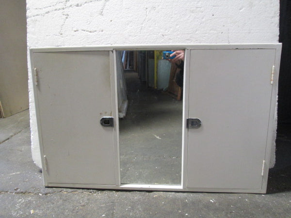 Bathroom Cabinet with Double Mirrored Doors(610H x 960W x 120)