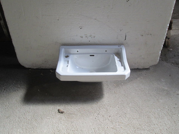 Traditional Villa Wall Mounted Basin 500W x 300D x 200H