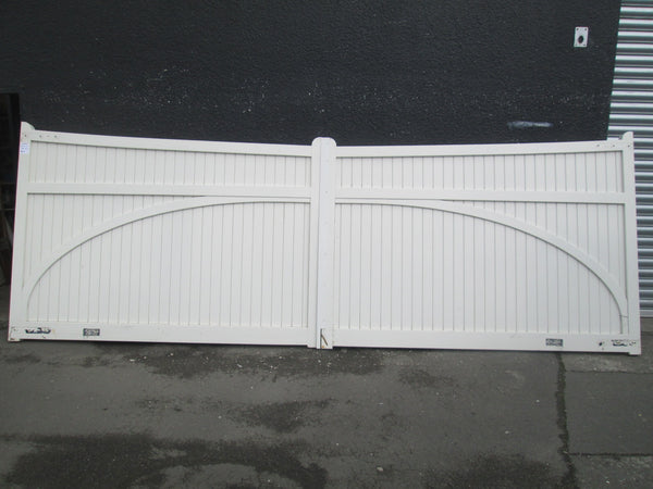 Paint Finish Wooden Gates Heritage 1.8 Mtrs H x 5Mtrs W x 70mmD