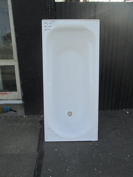Acrylic Bath with Head Rest 1670L x 750W x 480D