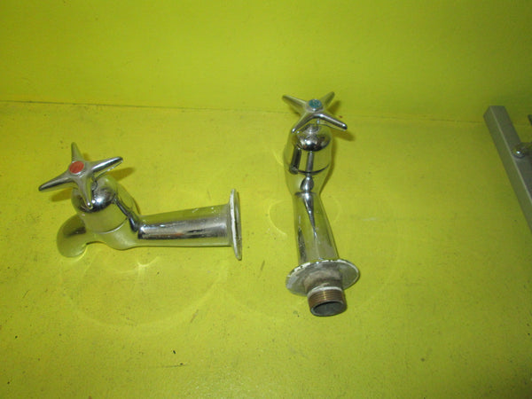 Methven Kowhai Bath Taps(Pair Hot & Cold) 110H x 35W x 160D x 25mm Dia