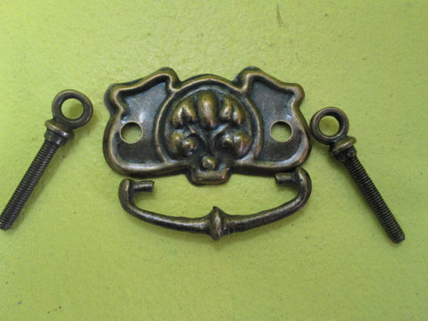 Shield with Vine Pull Handles