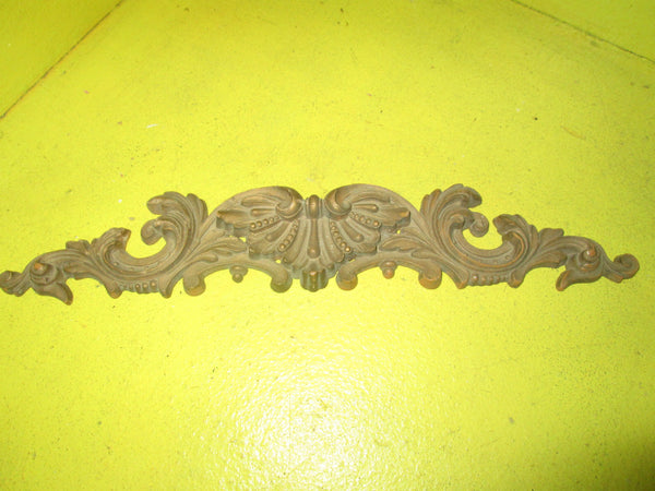 Antique Gothic Mouldings 260L-200L x 50w