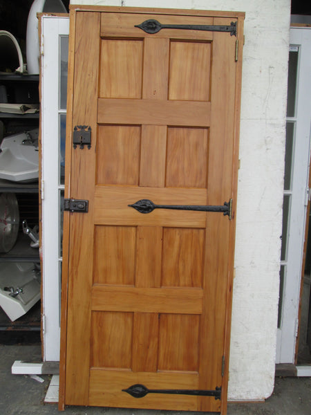 8 Panel Gothic Style Door with moulded Leaf Hinges, Thumb Lift Key Lock and Night Latch Frame 2080H x 880W/Door 2020H x 810W