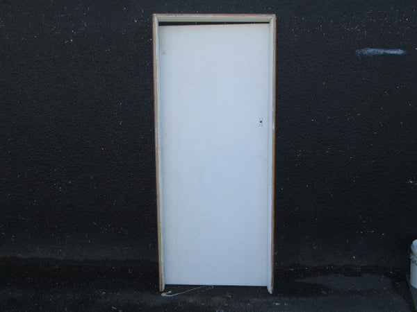 Paint Finish Hollow Core Door in Frame