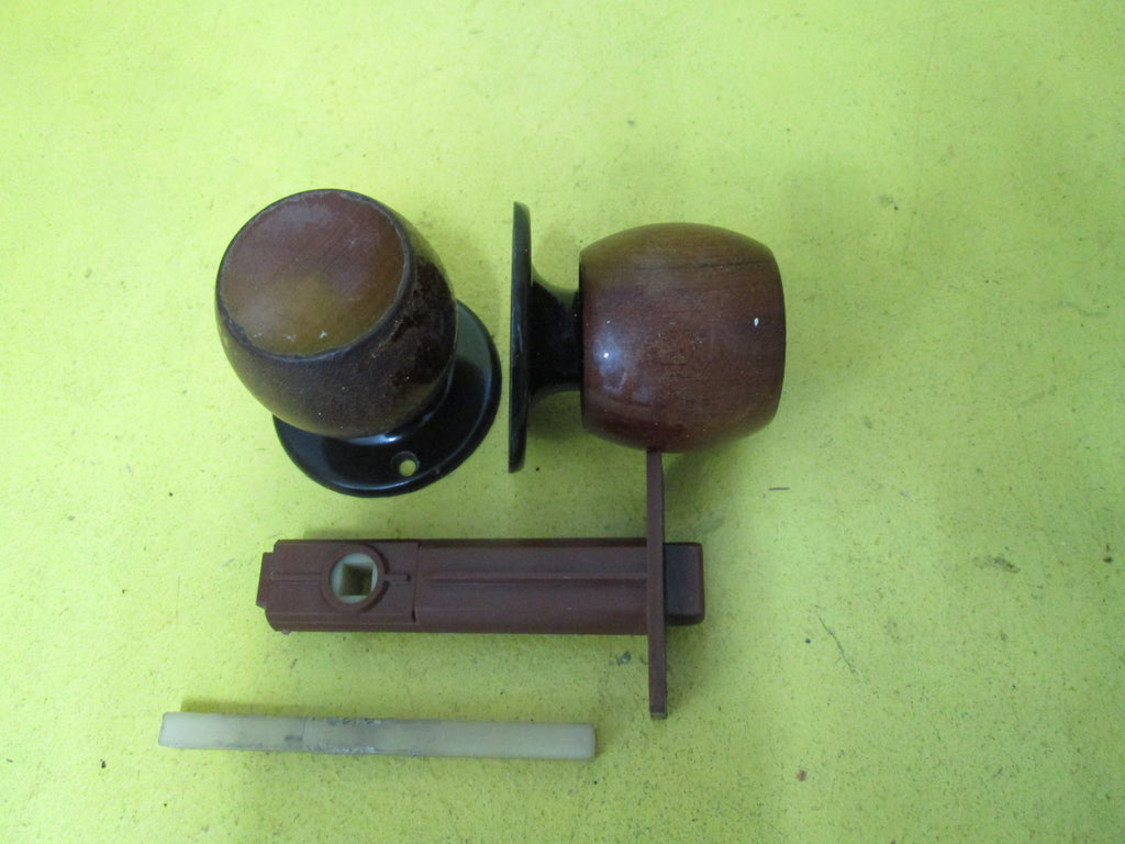 Sylvan Wooden Knob Handle with Brown Rose and Mortice 55-62D x 60J/Mortice 58L x 25W x 72Axail