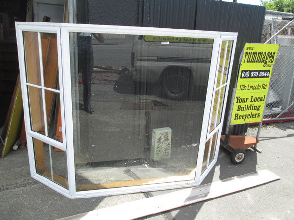 White Aluminum Bay Window Top Side Opening