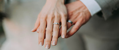 What Finger Does A Woman Wear Her Wedding Band On Martin Busch Jewelers
