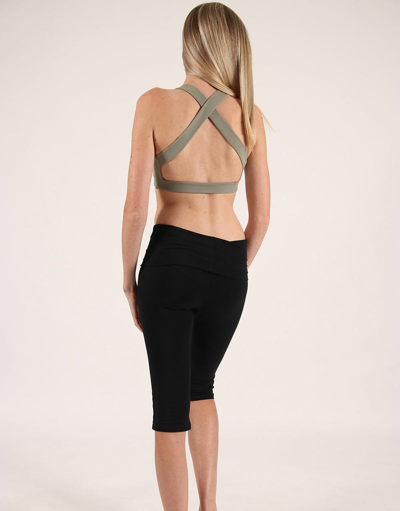 Black-High-Rise-3/4-Leggings-PT126