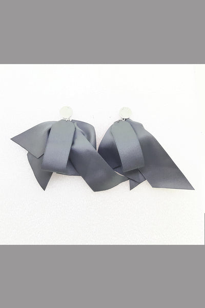 Match Bow Tie Knots Solid Butterfly Earring (Grey)