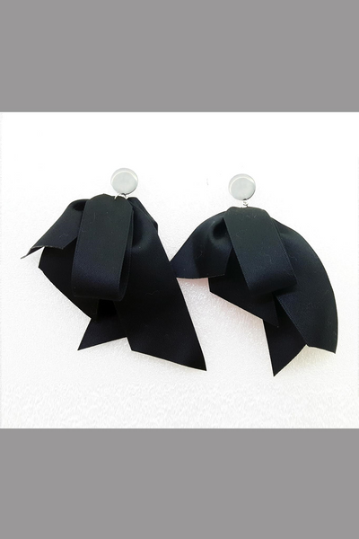 Match Bow Tie Knots Solid Butterfly Earring (Black)