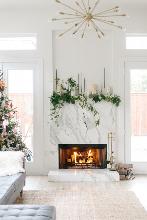 How to Decorate Your Christmas Mantel