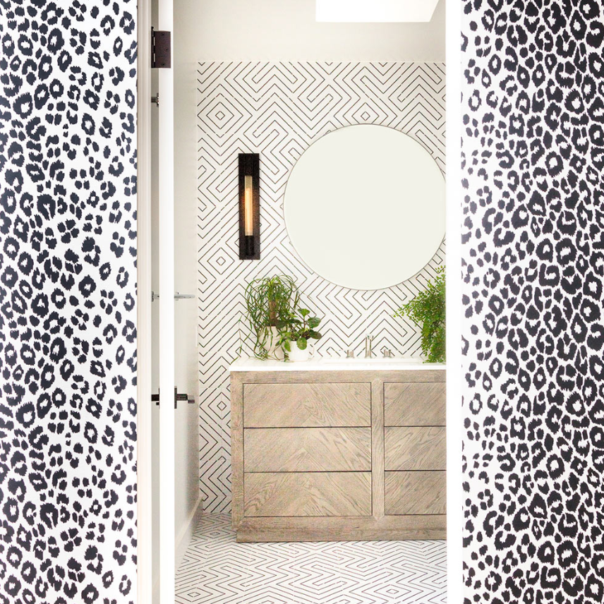 Stylish Ways to Decorate Bathroom Walls