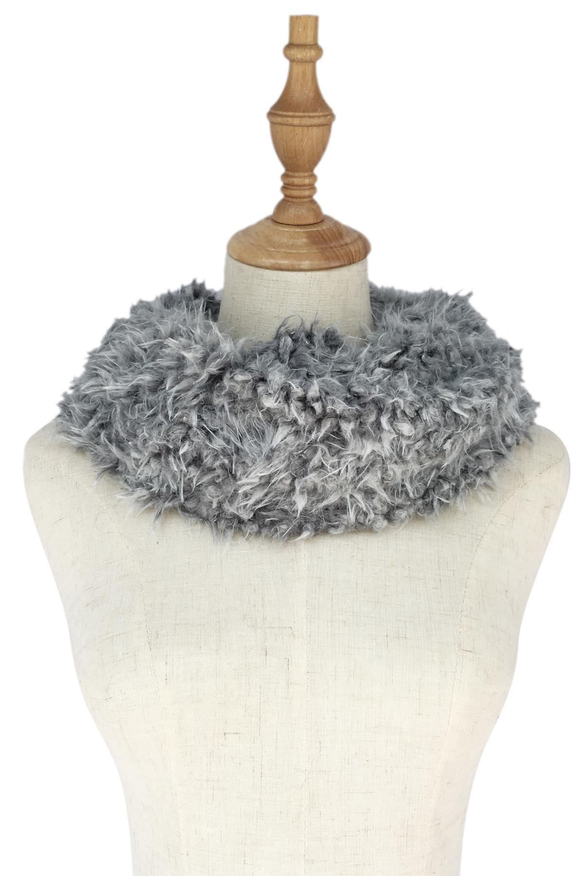 Super Soft Thick Twist Snood Black/White - The Tulip Tree Chiddingstone