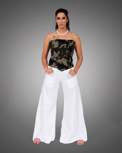 White flared leg pocket pant