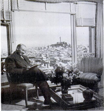 In the blue room of his Nob Hill apartment overlooking San Francisco bay Mardikian reads Saroyan.