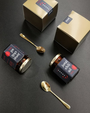 Load image into Gallery viewer, Junzi Limited Edition Chili Oil - Gift Set