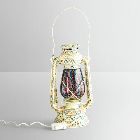 Hand Painted Hurrican Lantern with Bulb : White