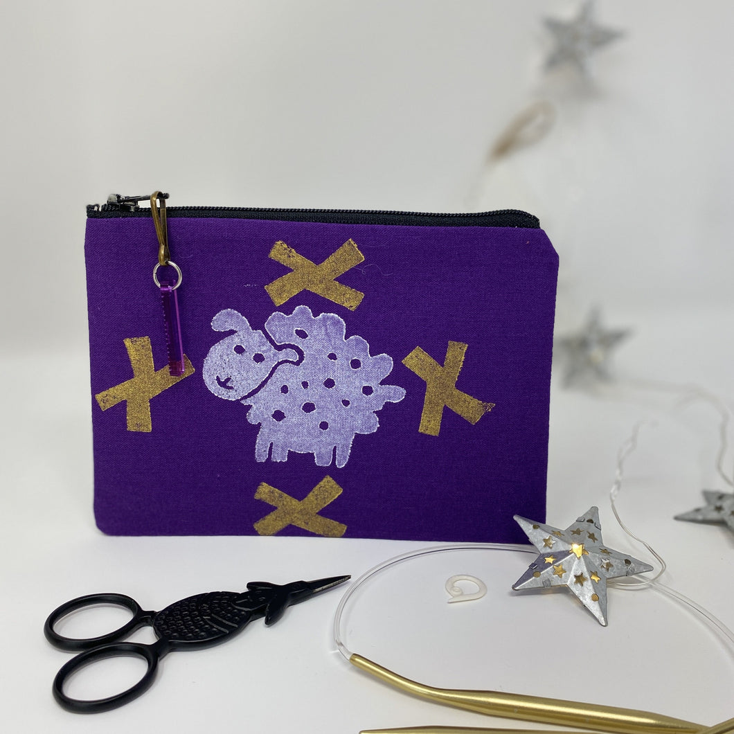 Notion bag - Sheepie with gold crosses