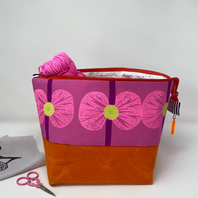 Hot pink flowers on zipper project bag