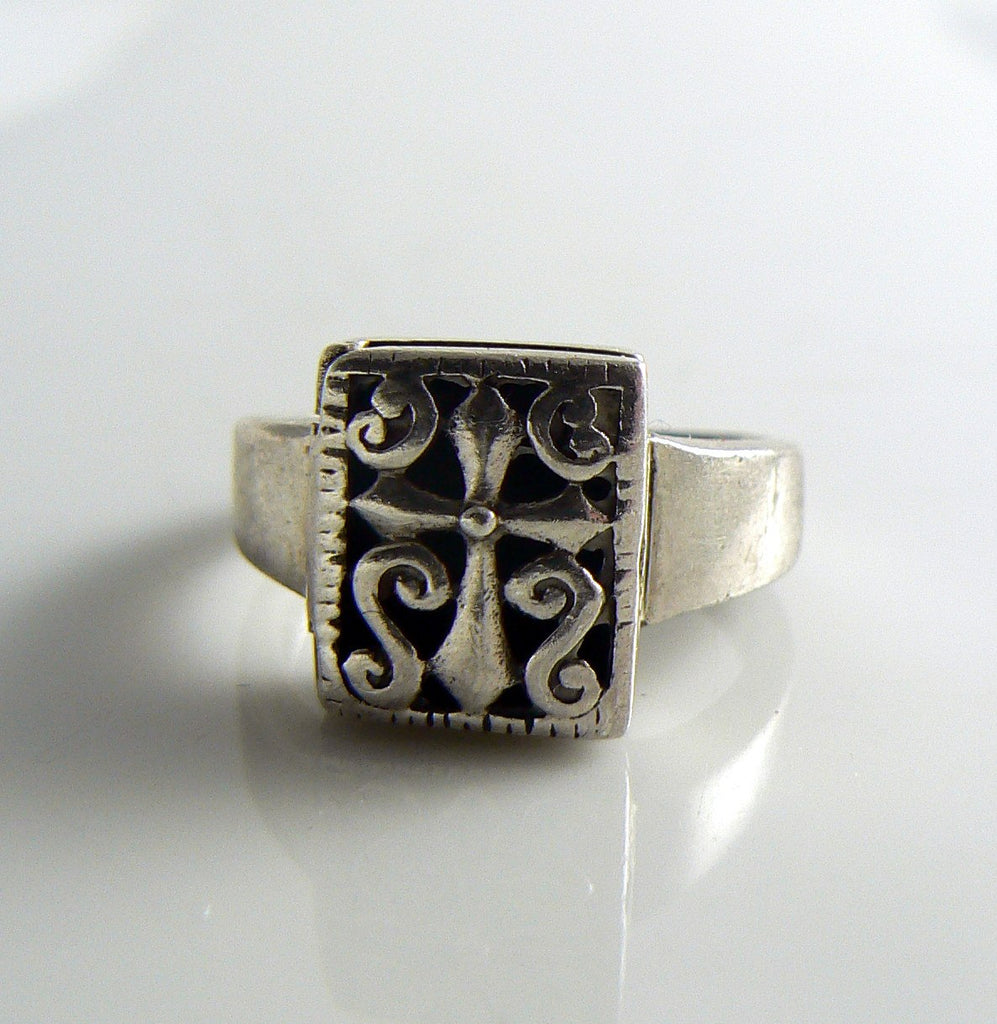 Sterling Fluted Cross Poison Ring - Vintage Lane Jewelry