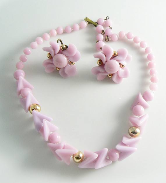Vintage Lavender Pink Glass Beaded Necklace Set - Vintage Lane Jewelry