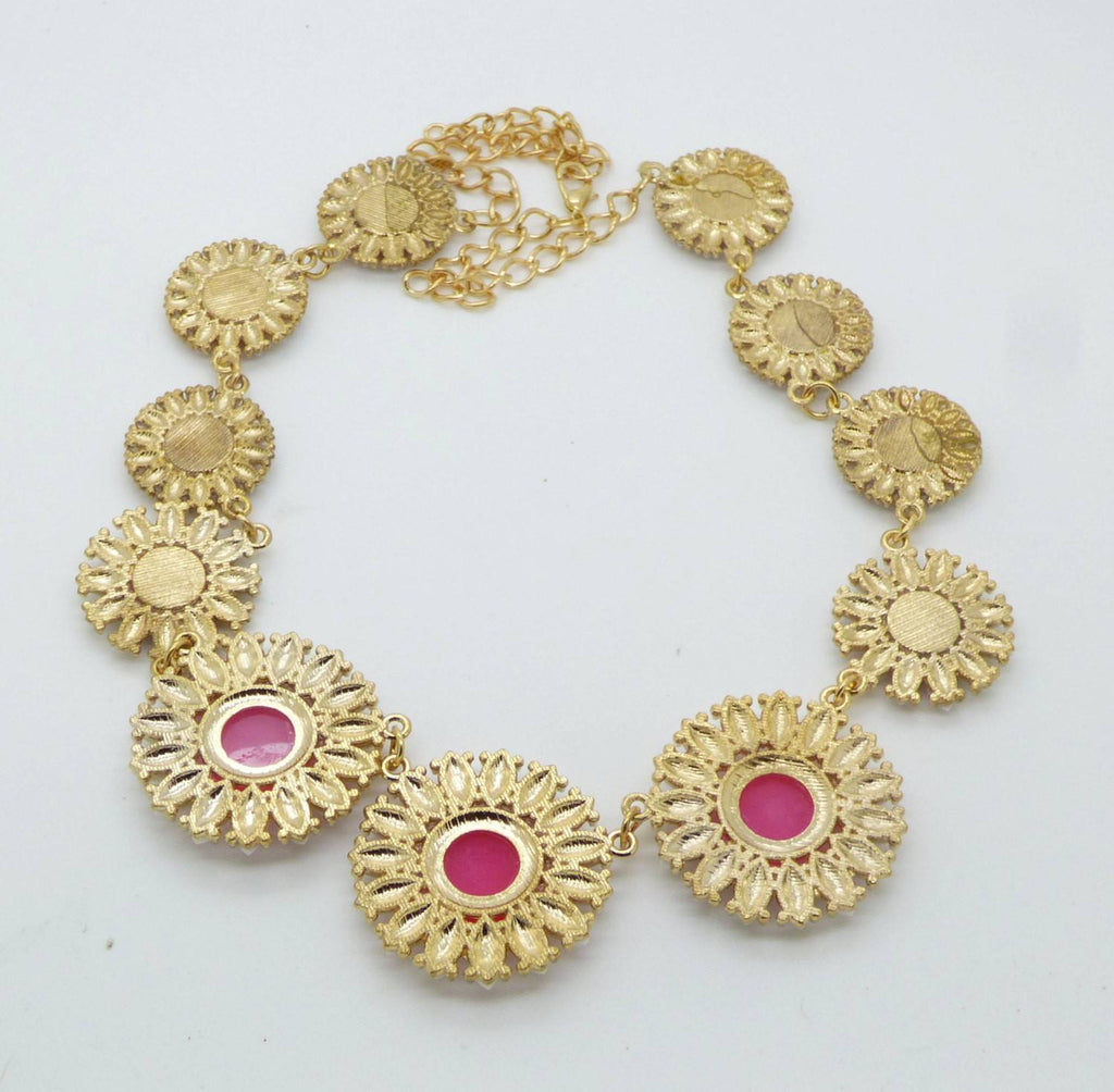 Glass Daisies Pink and White Gold Tone Necklace - Vintage Lane Jewelry