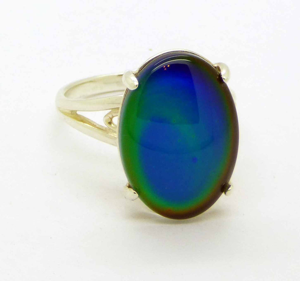 Liquid Crystal Glass Sterling Silver Oval Mood Ring, Size 7 - Vintage Lane Jewelry