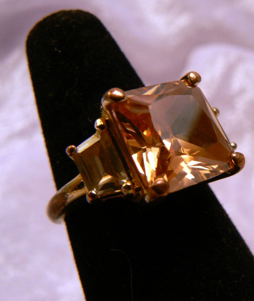 Peach Glass Cocktail Ring - Vintage Lane Jewelry - 1