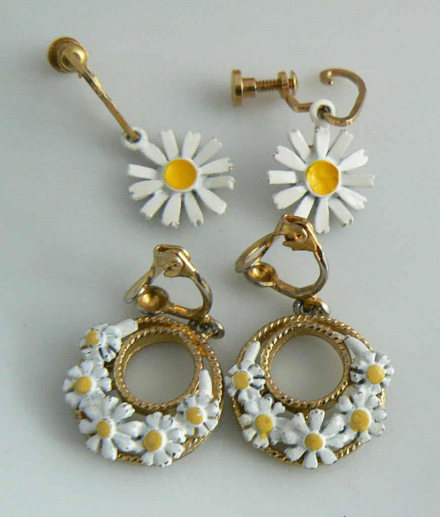 2 Pair Vintage Enamel Daisy Earrings - Vintage Lane Jewelry
